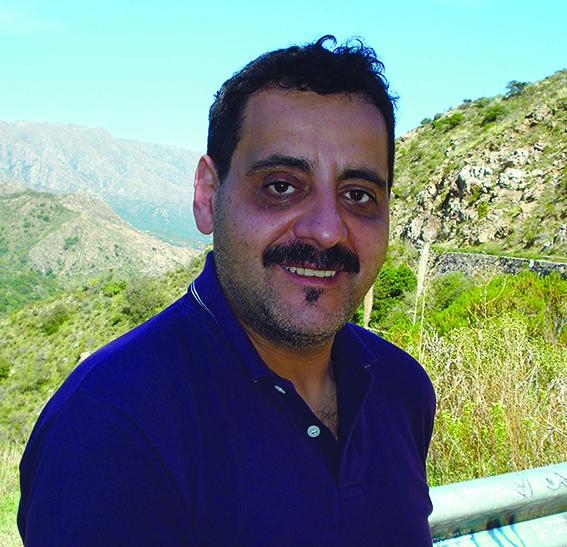 Fabián Sevilla (Escritor)
